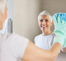 Lista de comprobación de limpieza de primavera con Windex